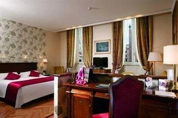 property Suite cottage Bedroom living room Resort condominium Villa