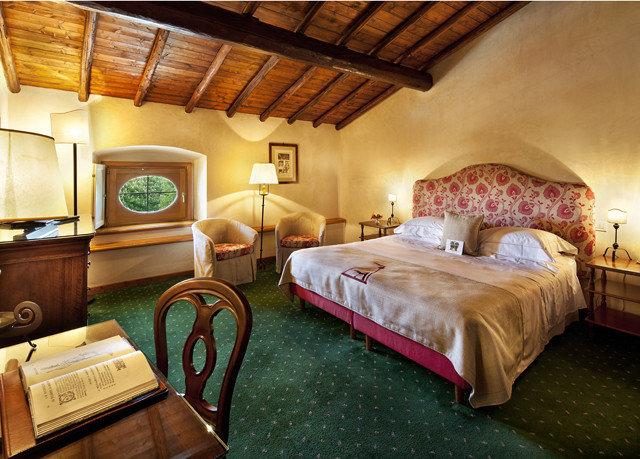 property Bedroom cottage Suite Villa farmhouse Resort