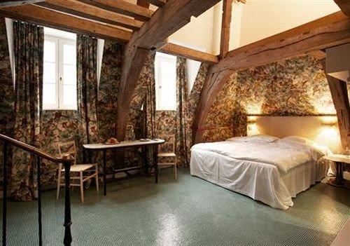 Bedroom property building cottage Villa Resort farmhouse Suite