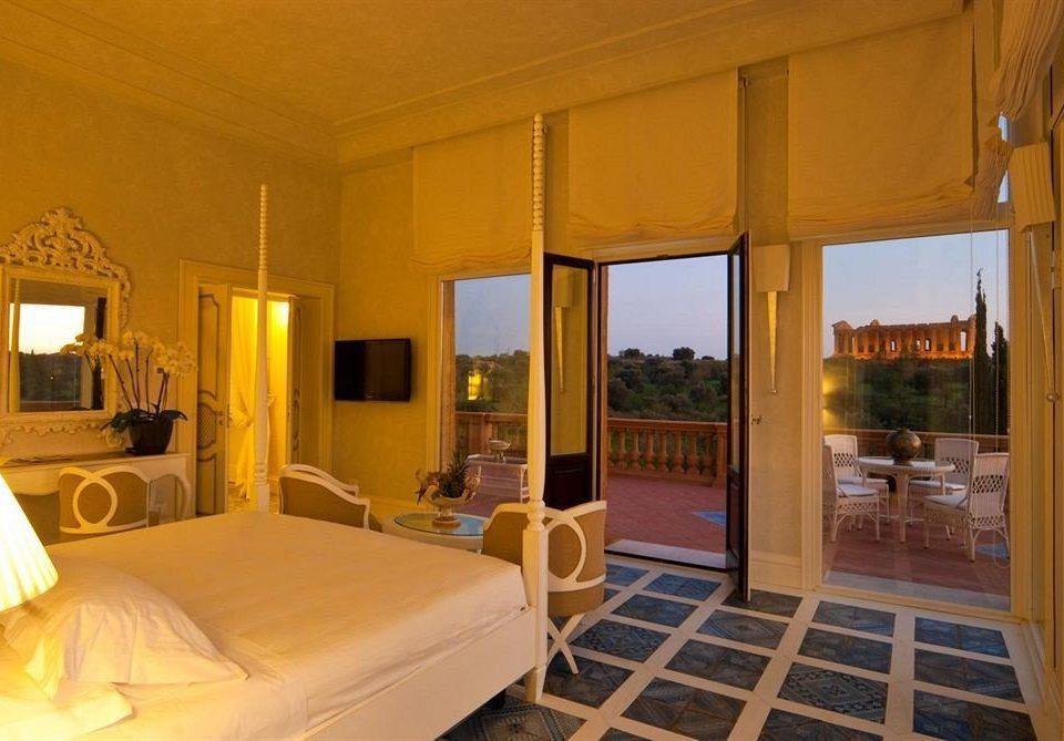 property Villa Resort Suite cottage Bedroom condominium living room mansion