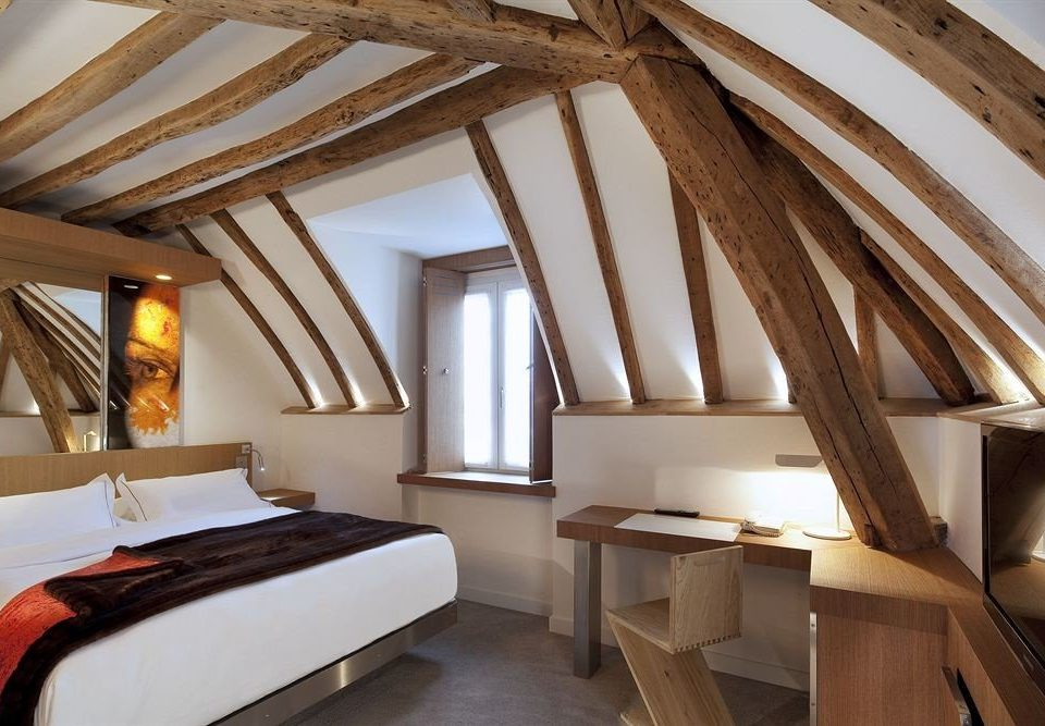 property Villa cottage Suite attic daylighting farmhouse Resort Bedroom