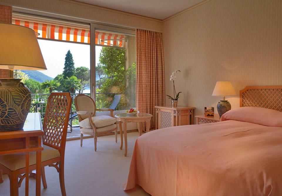chair property Suite Resort cottage home Villa Bedroom