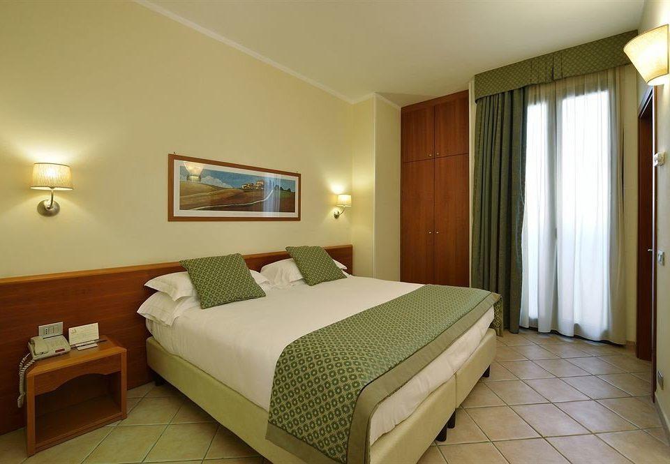 green Bedroom property Suite cottage Resort Villa tan