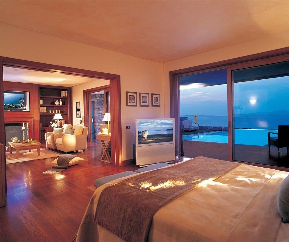 property Suite Bedroom living room Resort Villa home condominium flat