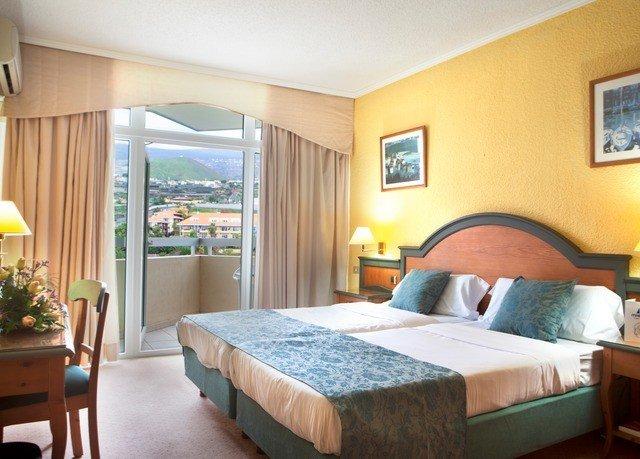 Bedroom property Suite cottage Villa Resort condominium