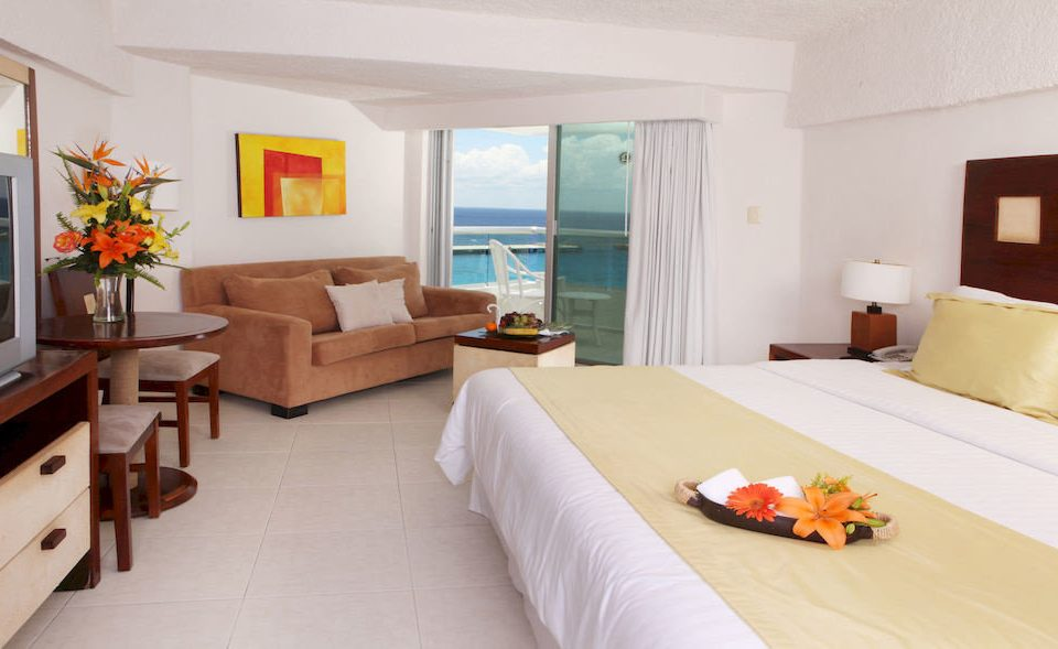 property Suite Villa cottage Resort condominium Bedroom