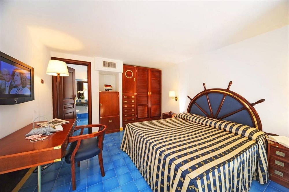 property chair Bedroom Resort Suite cottage Villa