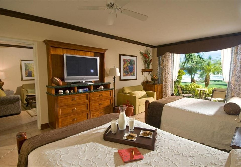 sofa property living room home cottage Villa Suite condominium farmhouse mansion Bedroom Resort flat