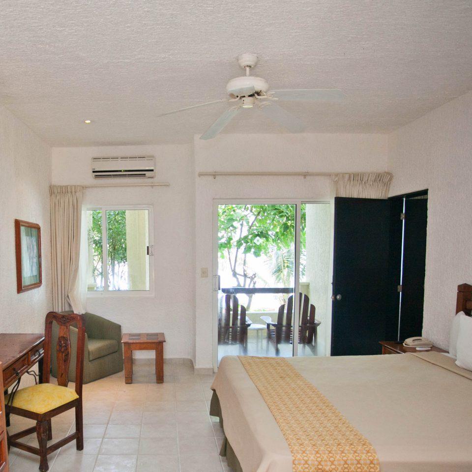 property house cottage Villa home Bedroom farmhouse living room Suite condominium Resort