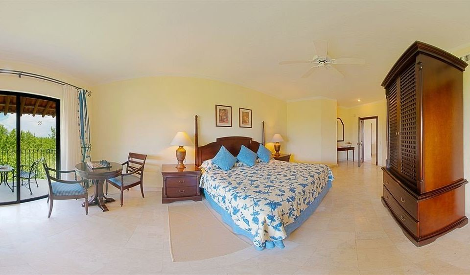 property Bedroom Suite Villa cottage yellow home Resort condominium