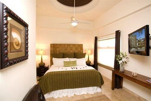 property Suite Bedroom cottage Villa mansion living room Resort