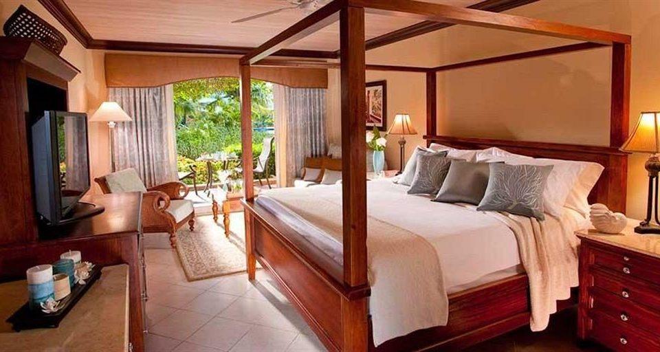 Bedroom property Suite Resort cottage wooden Villa