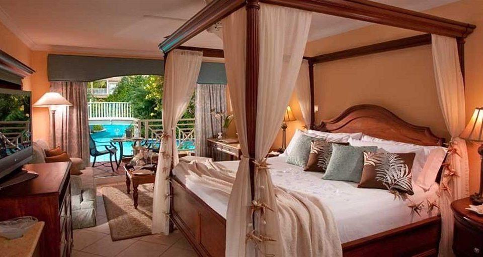 property Resort Bedroom Villa cottage Suite home farmhouse