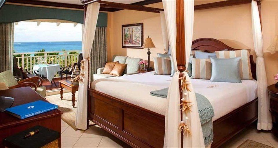 property Suite cottage Resort Villa home Bedroom living room