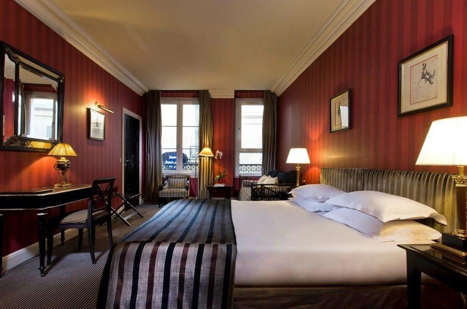 sofa chair property Suite Bedroom Resort cottage Villa billiard room