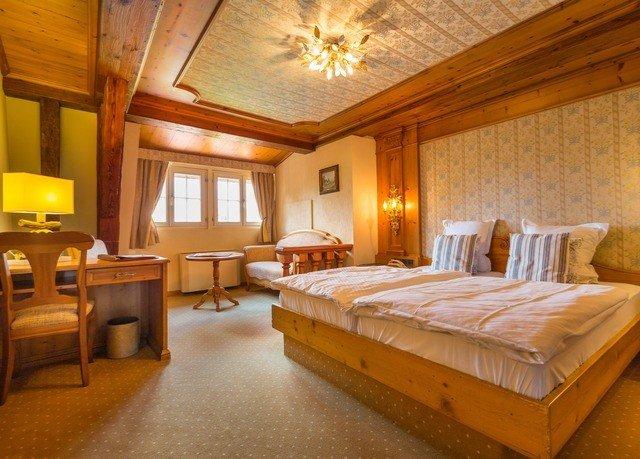 property Bedroom wooden Suite cottage Resort Villa