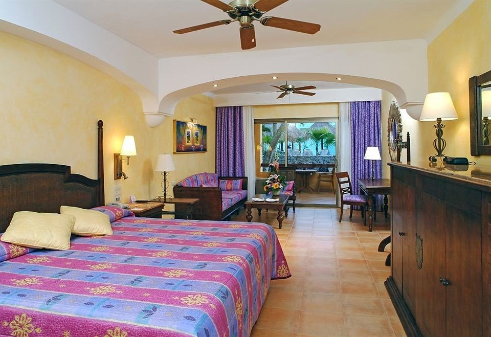 property Bedroom Resort Suite Villa cottage living room mansion