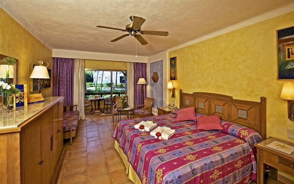 property Bedroom cottage Resort Suite farmhouse Villa