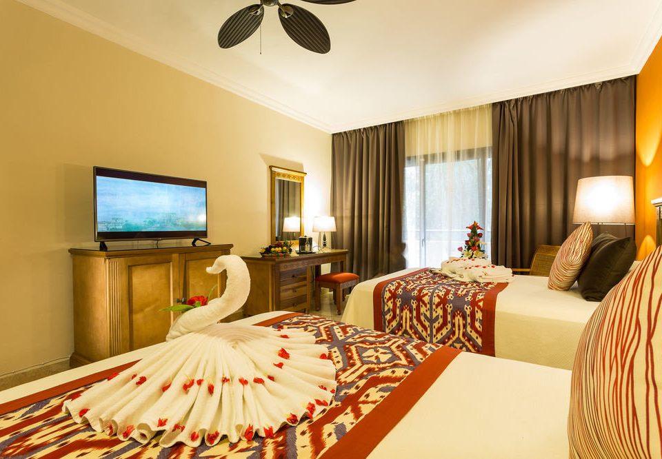sofa property Suite Bedroom Resort living room cottage Villa bed sheet flat