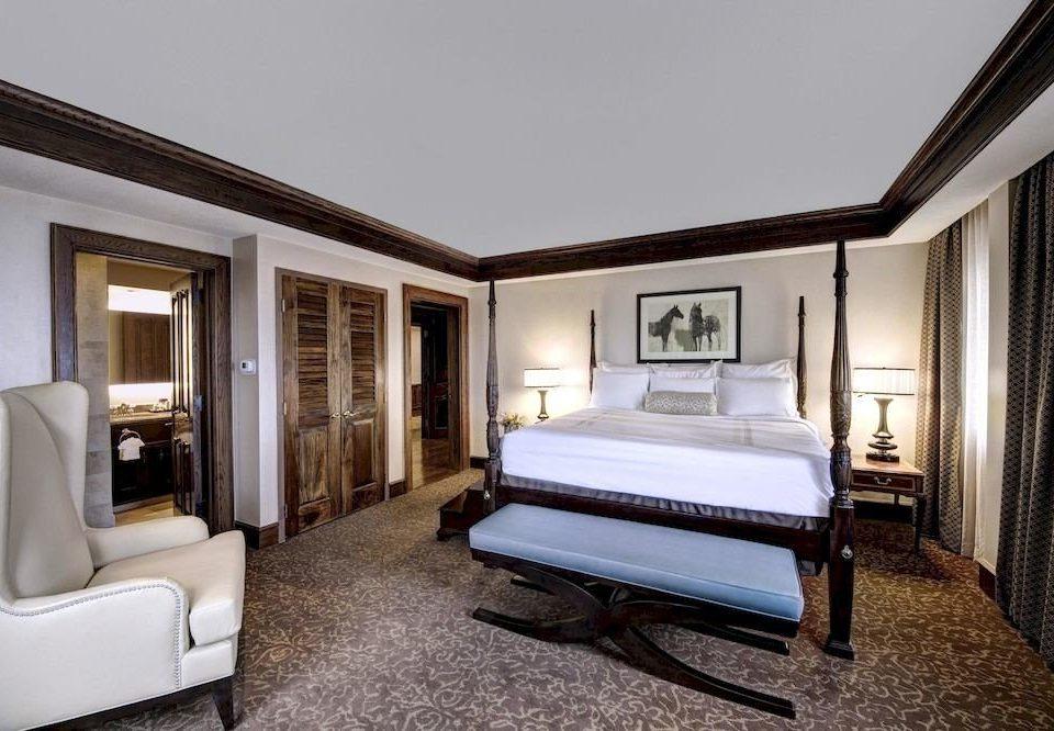 Bedroom Resort property house Suite home living room Villa mansion condominium cottage