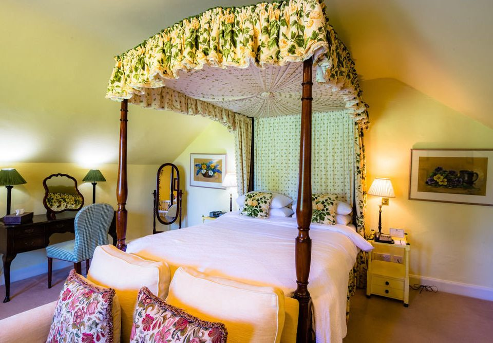 property Bedroom Resort Villa cottage yellow Suite