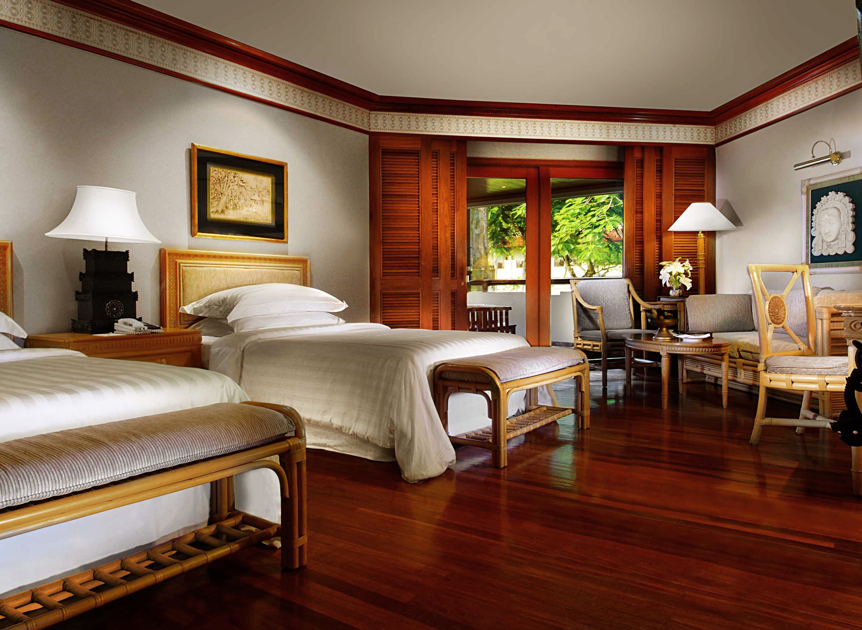 Bedroom Resort property Suite hardwood home living room wood flooring Villa cottage