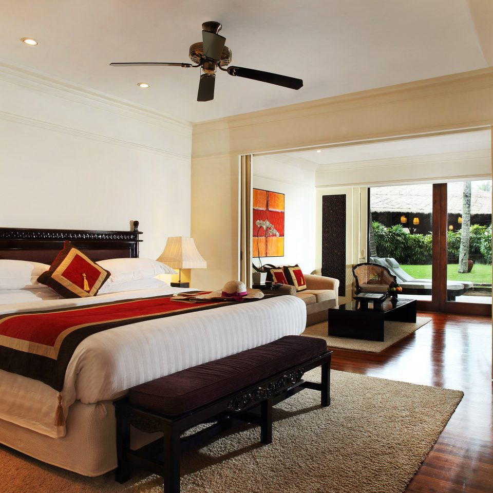 Bedroom Resort property living room home hardwood cottage Suite Villa