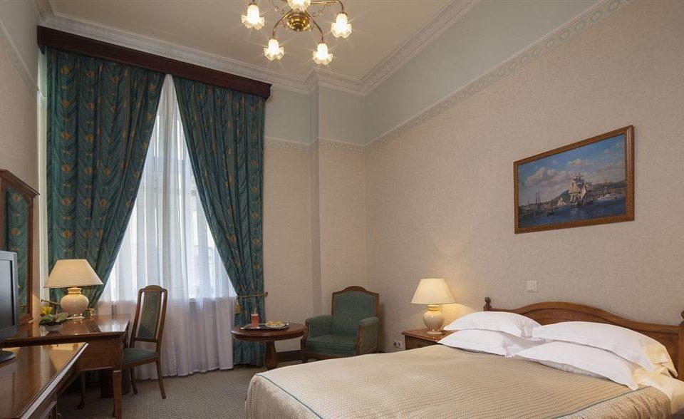 property Bedroom Suite cottage home Villa living room Resort