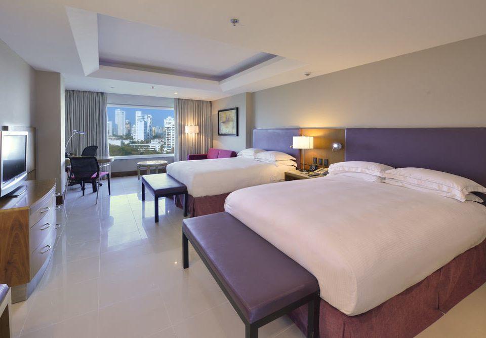 property Bedroom Suite Villa condominium cottage Resort lamp