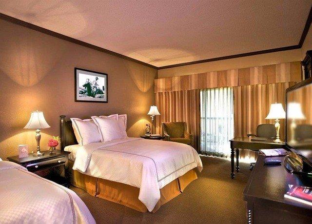 Bedroom property desk Suite Resort Villa
