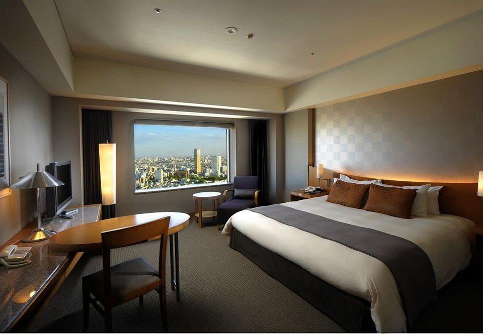 Bedroom property Suite condominium Resort living room Villa lamp