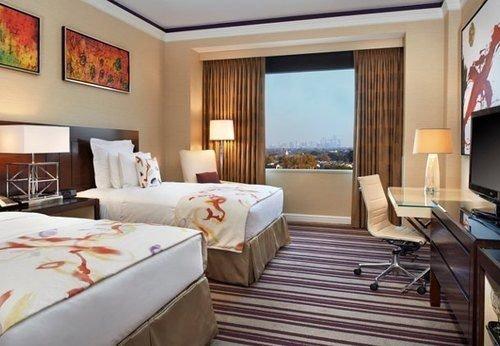 property Bedroom Suite Resort cottage living room Villa condominium