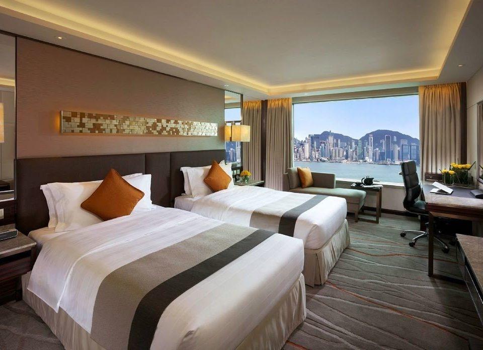Bedroom property Suite Resort condominium Villa cottage living room
