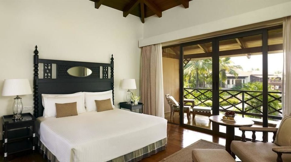 property Suite Resort Bedroom cottage Villa home living room condominium mansion