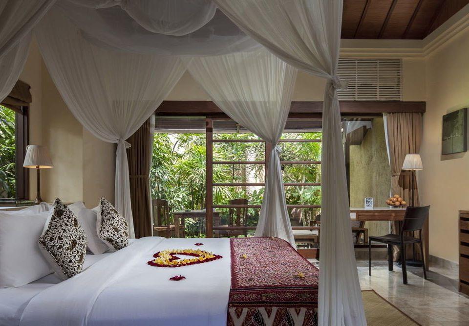 property Bedroom Resort home cottage living room Villa Suite bed sheet mansion farmhouse