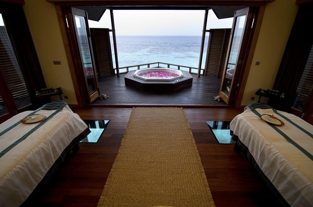 property Bedroom Suite Resort Villa cottage mansion