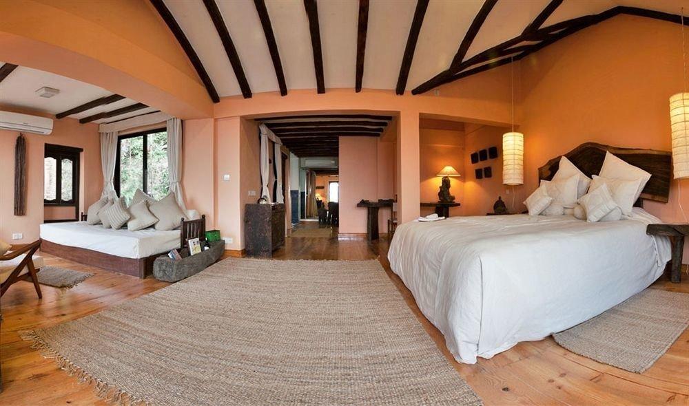 property Bedroom Villa Suite Resort home cottage living room mansion farmhouse