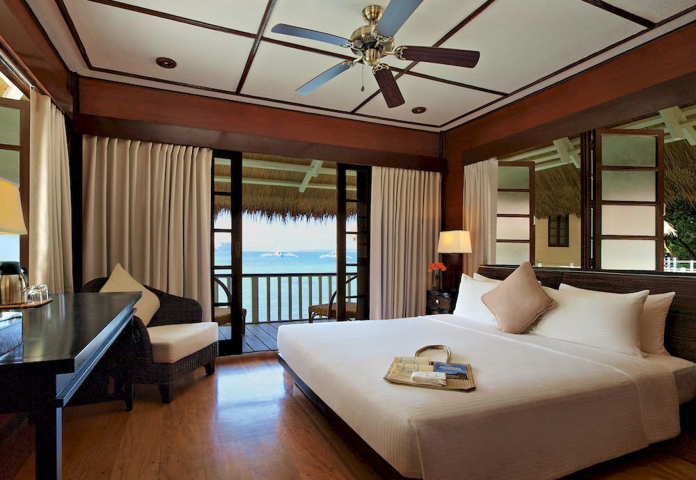 property Resort home yacht Suite living room Villa cottage Bedroom condominium