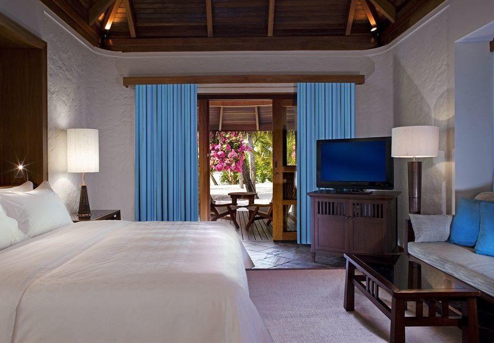 Bedroom property Suite home cottage living room Resort Villa mansion pillow