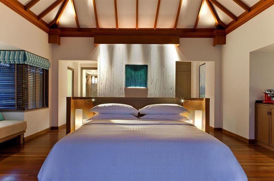 property Bedroom Resort Suite cottage Villa lamp