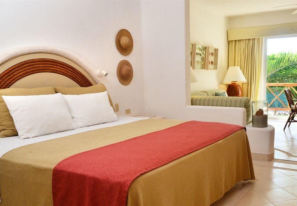 Bedroom property red Suite cottage Resort bed sheet Villa