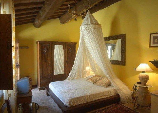 property Bedroom yellow cottage Suite Villa Resort