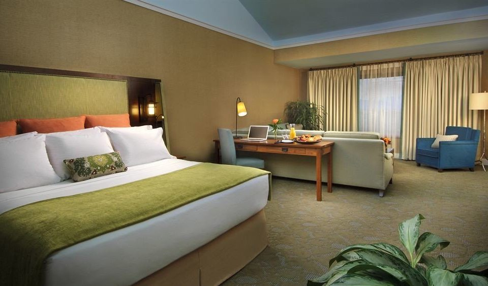 Resort Suite sofa property Bedroom green cottage Villa condominium