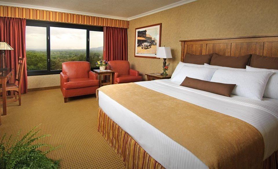 Bedroom Resort sofa property Suite cottage Villa