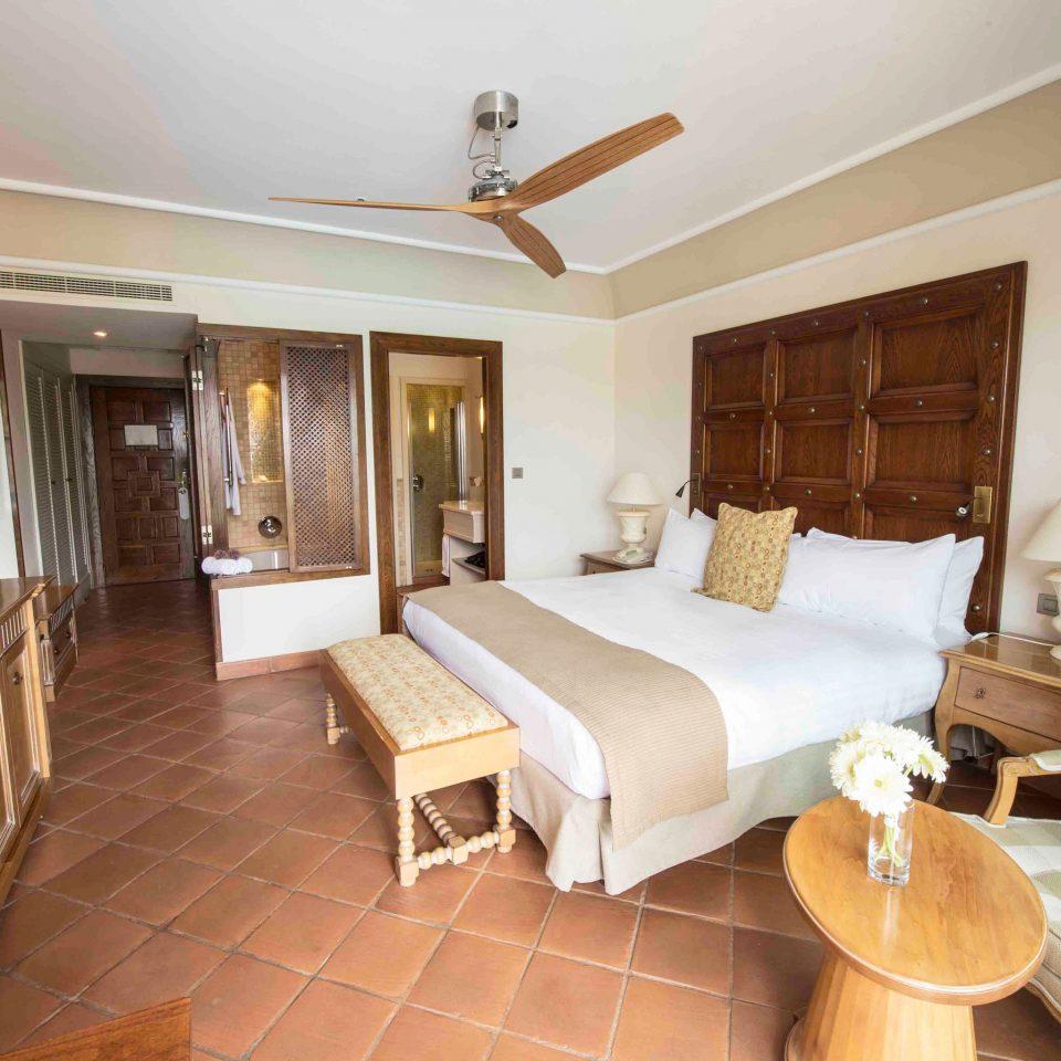 property Suite cottage Bedroom Villa Resort living room condominium