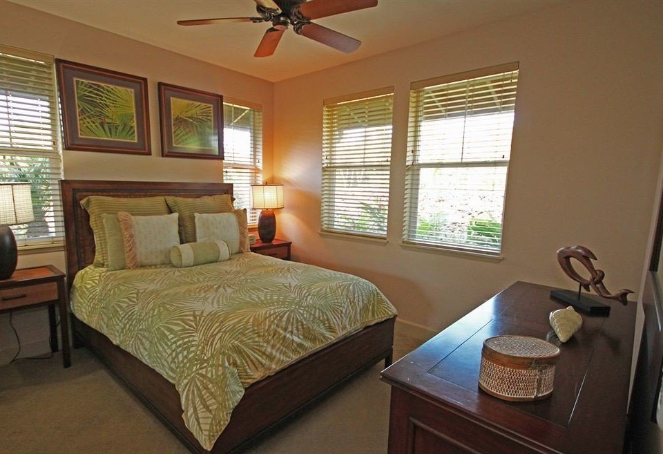 Bedroom Resort property cottage home Suite Villa living room