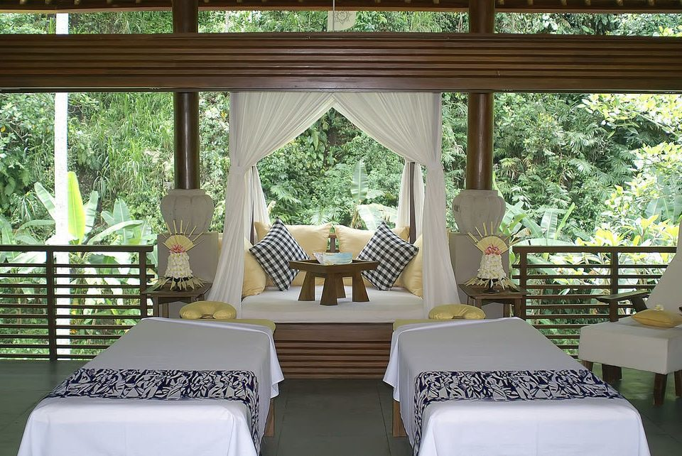 chair property Resort porch Villa cottage home mansion backyard outdoor structure Bedroom