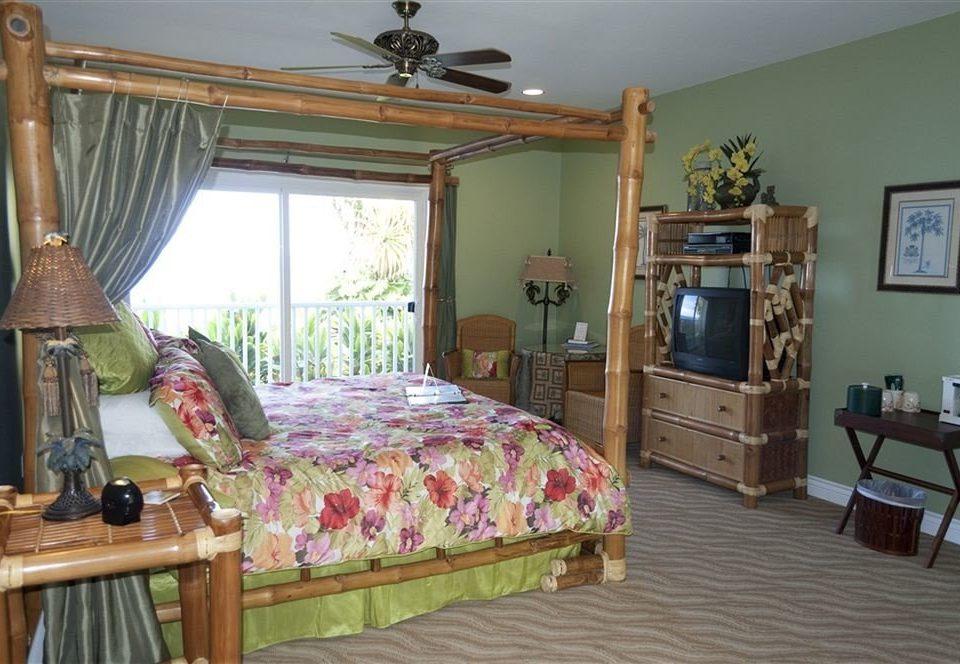 property Bedroom cottage Villa home farmhouse Resort lamp