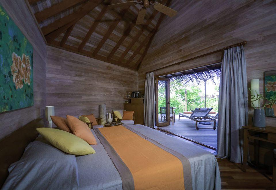 Bedroom property house home cottage log cabin living room Villa Resort farmhouse mansion