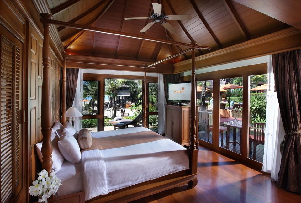 property Resort home house Bedroom cottage Villa mansion living room farmhouse porch